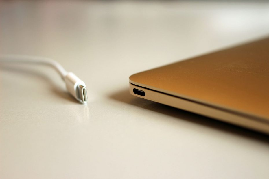 Conoce qué es la carga de laptop con USB tipo C