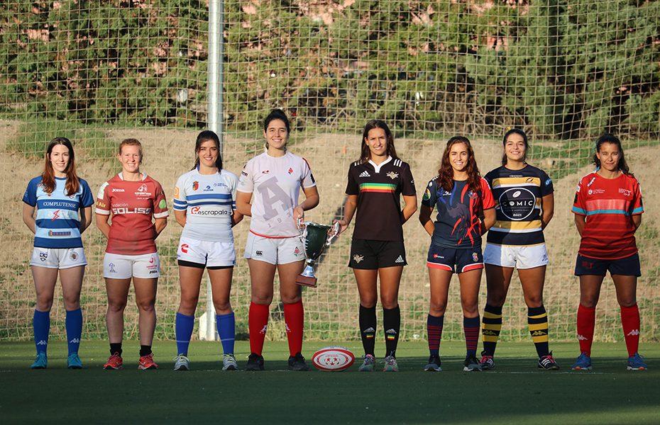 Mujeres jugando rugby