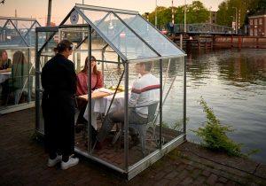 innvoadores cabinas-en-restaurantes-956104